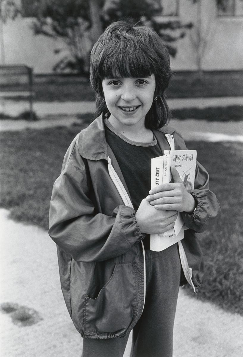 Juraj Bartoš, Deti na sídlisku, Petržalka. 1985–1988. Slovenská národná galéria