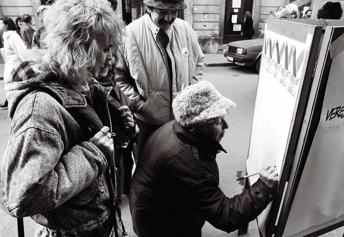 Ivan Rychlo – ČSTK, Z centra VPN. 1989. TASR