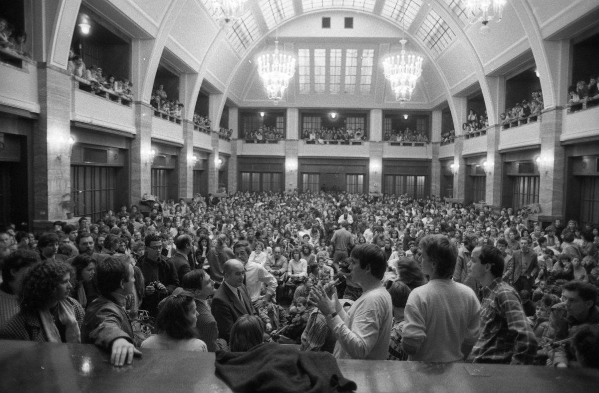 ČSTK, Pokojné zhromaždenie bratislavských vysokoškolákov. 1989. TASR