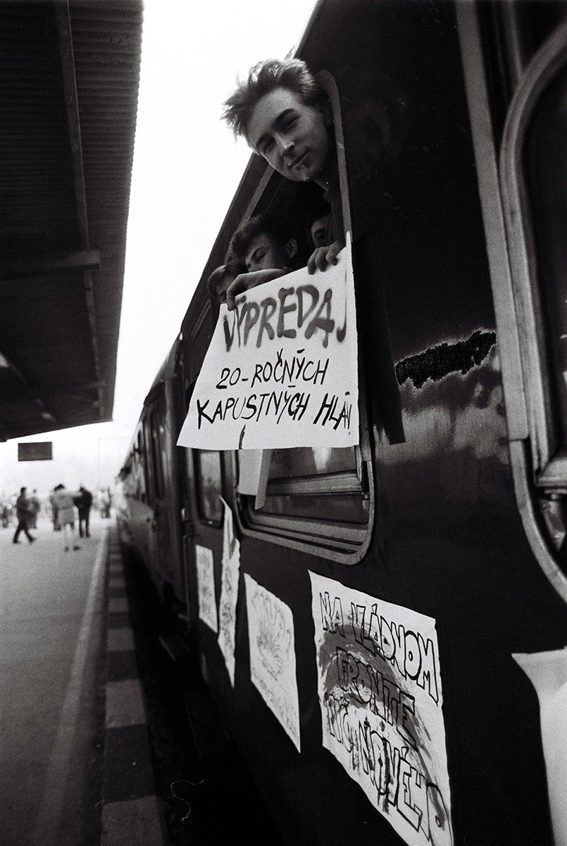Alexander Buzinkay – ČSTK, Vlak nežnej revolúcie. 1989. TASR